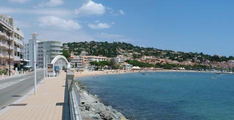 Hyères na Azurovém pobřeží.